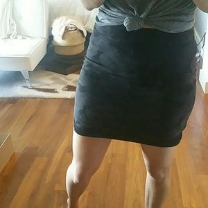 Lululemon camouflage skirt